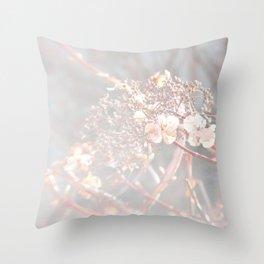 dreamy sun flare Throw Pillow