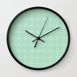 flowers_pattern_verde Wall Clock