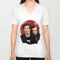 larry stylinson V-neck T-shirts featuring Polygonal Larry by Peek At My Dreams