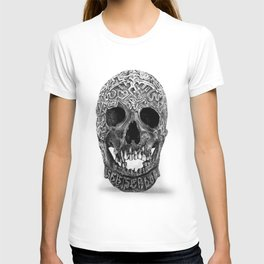 CARVED TIBETAN SKULL. IMAGE IS ENTIRELY MADE OF DOTS. T-shirt