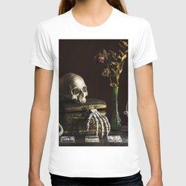 Vanitas, Memento Mori, Macabre Halloween Photo T-shirt