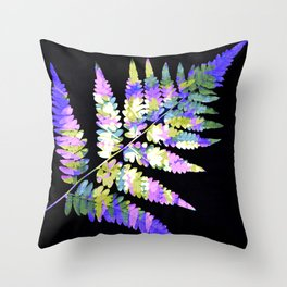 Fern in disguise - winter Throw Pillow