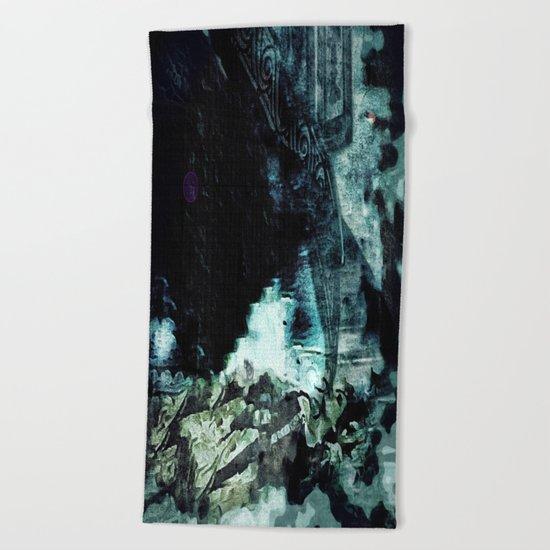 Shoved: Victoria - The Dweller in the Dark Beach Towel