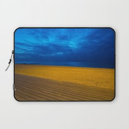 A night at the beach Laptop Sleeve