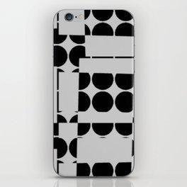 PETITS POIS iPhone Skin