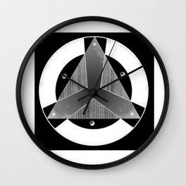 Insignia Organización Negativo Wall Clock
