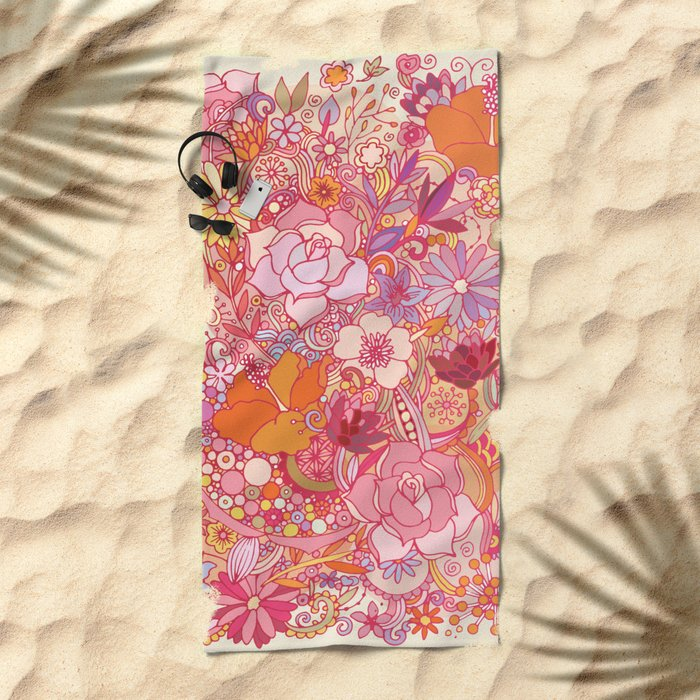 Detailed summer floral pattern Beach Towel