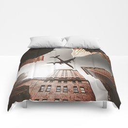 airplane in manhattan Comforters