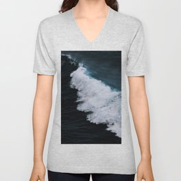 Powerful breaking wave in the Atlantic Ocean - Landscape Photography Unisex V-Neck