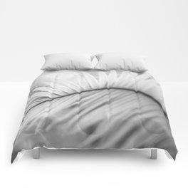 Palm Leaf Curvature Comforters