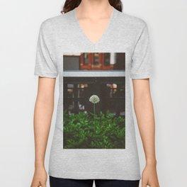 New York Garden Unisex V-Neck