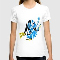 """finding nemo T-shirts featuring """"just keep swimming"""" (Finding Nemo- Dory) by Art of Fernie"""