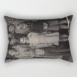 Die Familie Rectangular Pillow