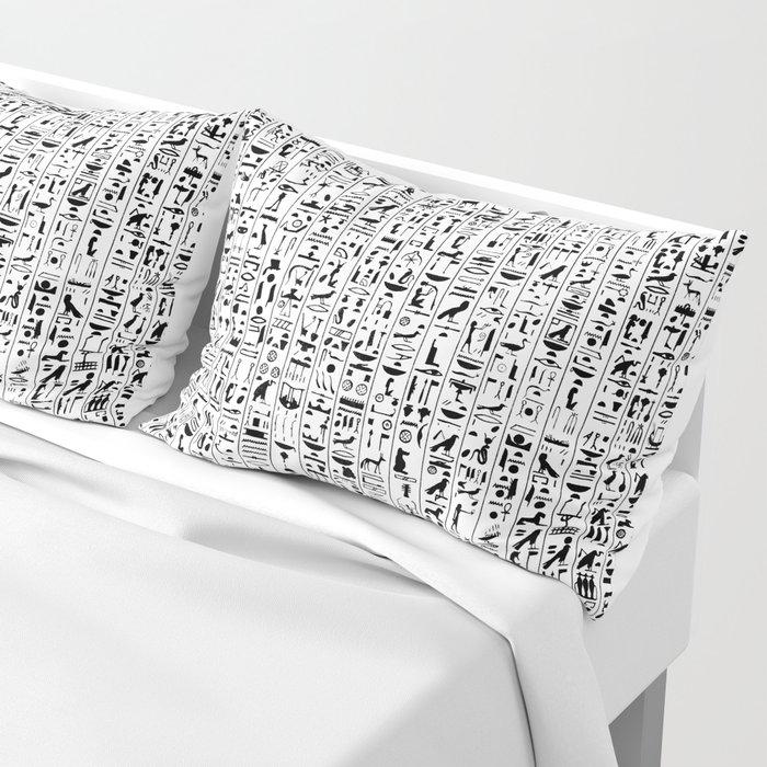 Hieroglyphics B&W / Ancient Egyptian hieroglyphics pattern Pillow Sham