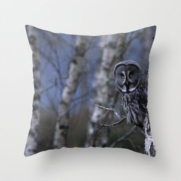 GREAT GREY OWL PEERING ROUND TREE Throw Pillow