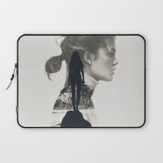 into the water i jump Laptop Sleeve