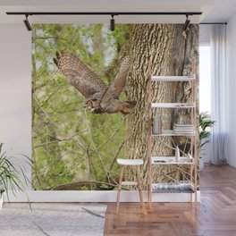 Great horned owl on the hunt Wall Mural