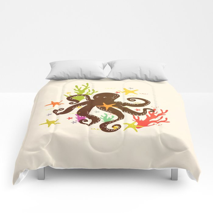 Friends around the sea Comforters