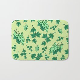 Seamless background from bunches of grapes Bath Mat