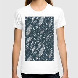 Feathers And Leaves Abstract Pattern Black And White T-shirt