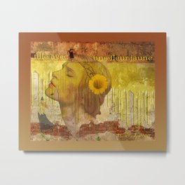 fille avec une fleur jaune Metal Print