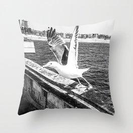 Seagull Taking Flight B&W // California West Coast Pier Vibes Beach Ocean Surf City USA Throw Pillow