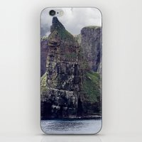 twin peaks iPhone & iPod Skins featuring Twin Peaks by Roger Wedegis
