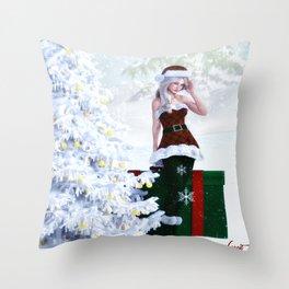 Christmas bliss Throw Pillow