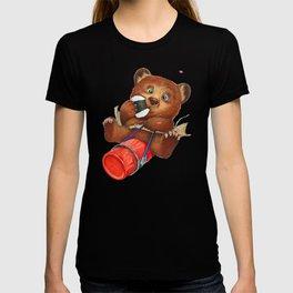 A little bear having a picnic lunch T-shirt