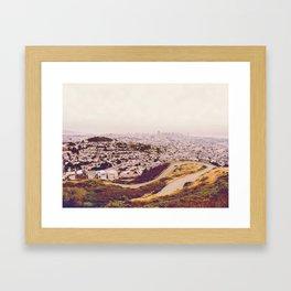 Misty Frisco (San Francisco sous la brume) Framed Art Print