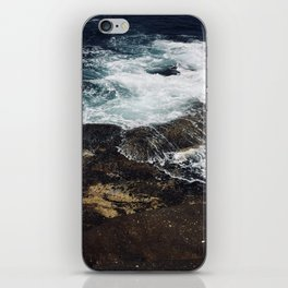 Beautiful waves at Clovelly Beach, NSW, Australia iPhone Skin