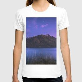 mountain lake lake wakatipu new zealand T-shirt