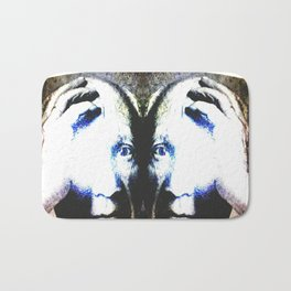 P the CASSO «the body in the middle» Bath Mat