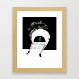 Saída Framed Art Print