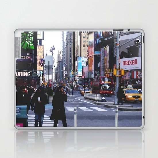 Let my imagination go Laptop & iPad Skin