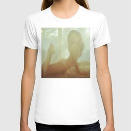 Vintage Girl - Erotic Art T-shirt