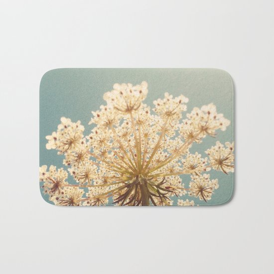 Queen Anne's Lace Bath Mat