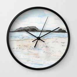 la plage à Saint-Malo Wall Clock