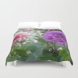 Purple Dahlia Focus Duvet Cover