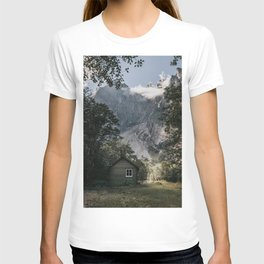 Mountain Cabin - Landscape and Nature Photography T-shirt