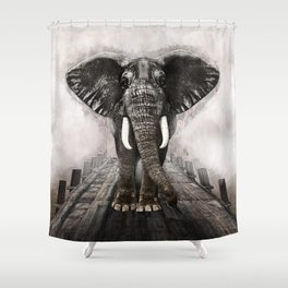 Elefant on walk Shower Curtain