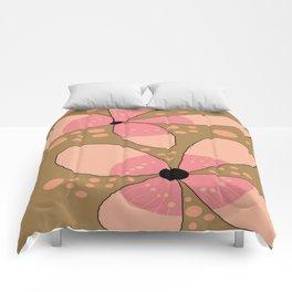 FLOWERY FLORA / ORIGINAL DANISH DESIGN bykazandholly Comforters