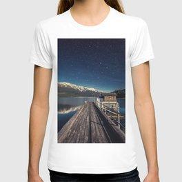 wakatipu night queenstown bridge hut mountains new zealand south island lake wakatipu lake T-shirt