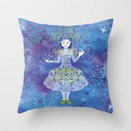 Bilberry queen Throw Pillow