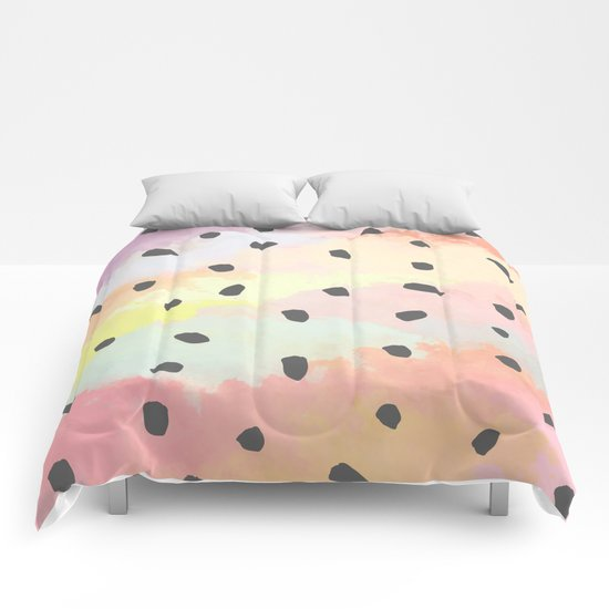 With dots Comforters