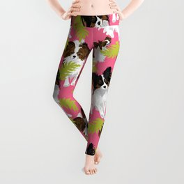Papillon leaves on pink Leggings