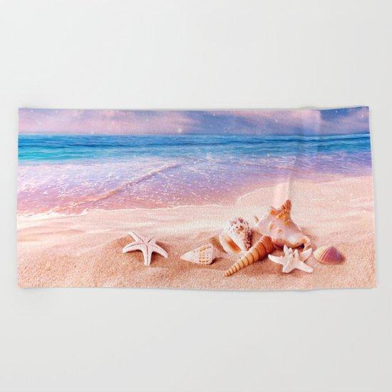 Seashells on the beach Beach Towel