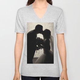 newlyweds kiss Unisex V-Neck