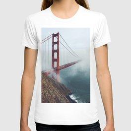 Amazing San Francisco Golden Gate Bridge In Heavy Fog Ultra HD T-shirt