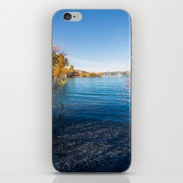 Al borde iPhone Skin